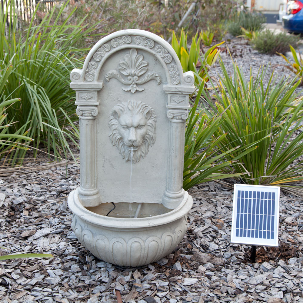 solar powered decorative lion outdoor wall feature fountain w panel pump garde ebay. Black Bedroom Furniture Sets. Home Design Ideas